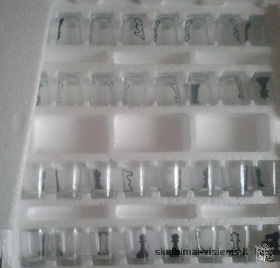 Šachmatai-stikliukai