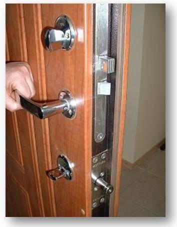 Šarvuotos durys laiptinėms, butams bei nuosaviems namams