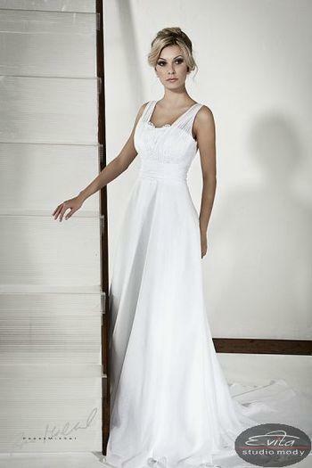 """Aktyvus iki 2014-05-11  Vestuvinių suknelių išpardavimas """"Milady"""" salone"""