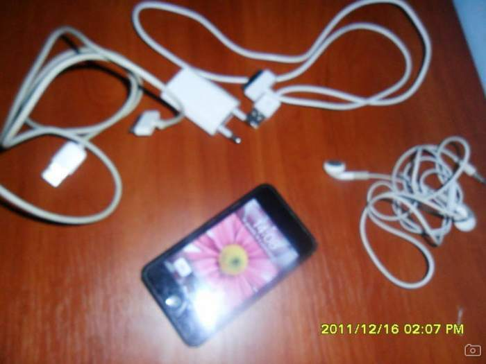 Apple ipod touch MA623LL