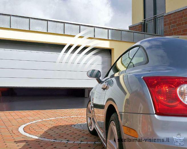 Garazo vartu atidarymas su JAV automobilio veidrodelio mygtukais