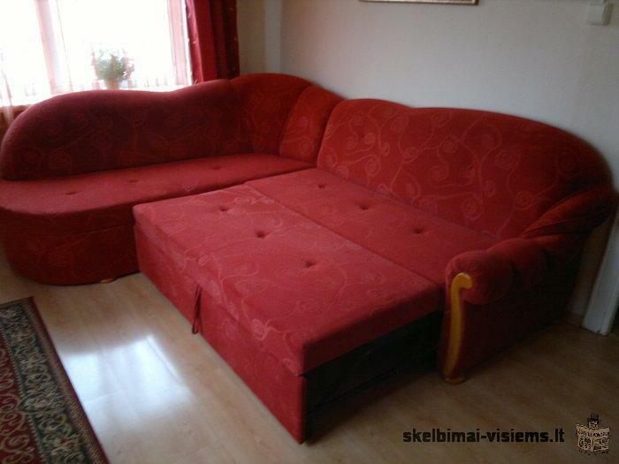 Išskleidžiama dvigulė lova - kampas su pufikais