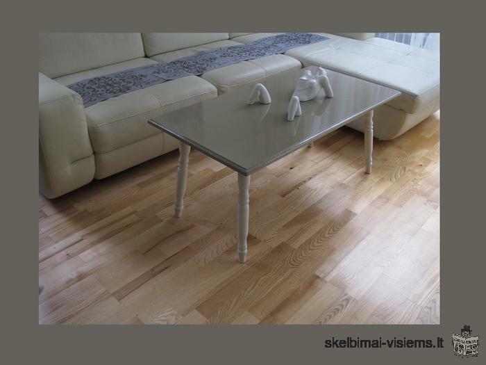 Kavos staliukas lakuotas blizgus, medinis - naujas