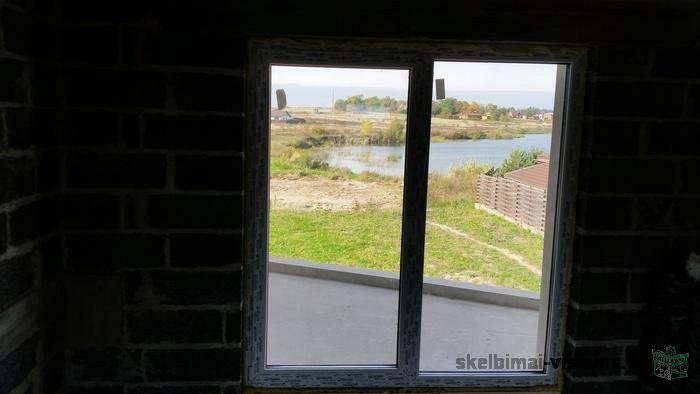Namas Slengiuose geroje vietoje prie vandens