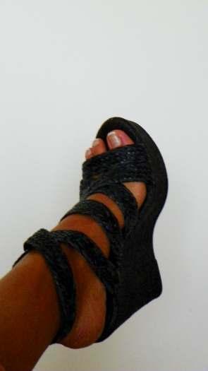 Naujos, Aukstos platformos juodos lengvos basutes moterims 38 dydis. Pirktos Italijoje
