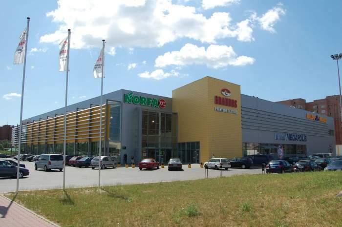 """Nuomojamos prekybinės patalpos """"Grandus"""" prekybos centre, Klaipėdoje"""