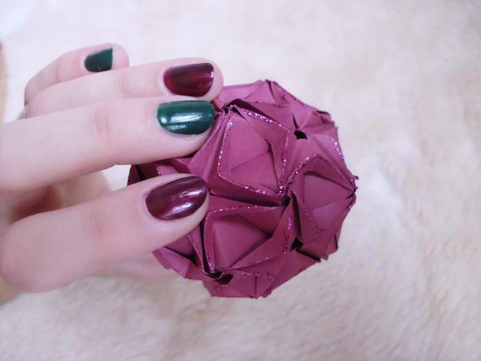 Originalūs origami žaisliukai eglutėms; atviruka; vainikai