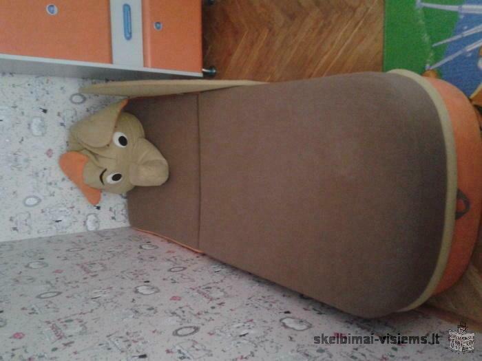 Parduodamas beveik nenaudotas vaikiškas baldų komplektukas
