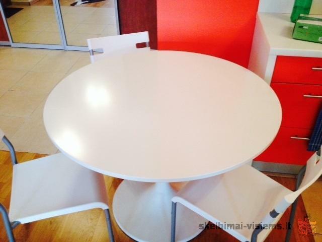 Parduodamas valgomojo stalas