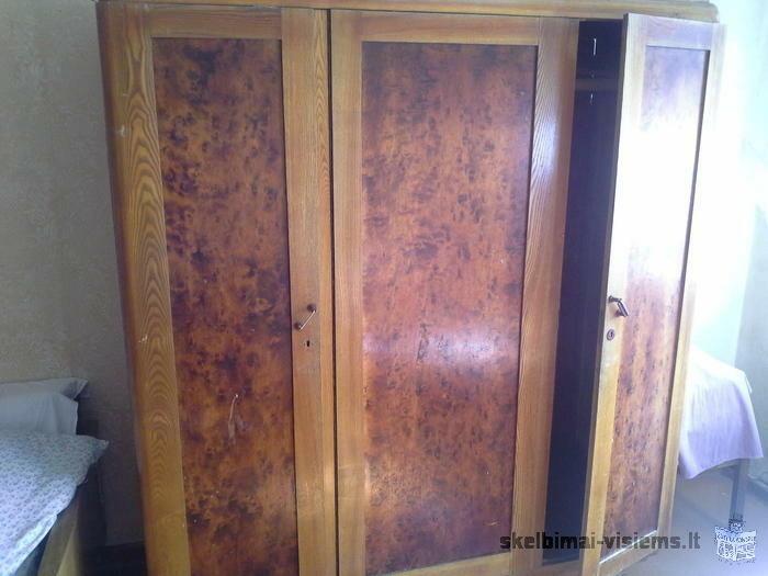 Parduodami seni baldai