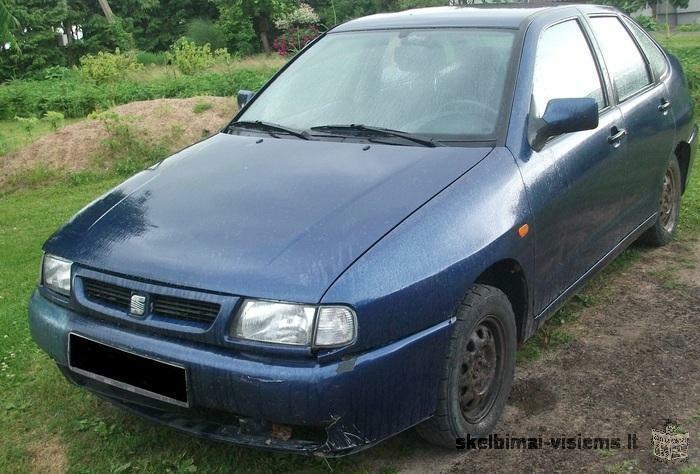 Parduodu 1997 m. automobilį Seat Cordoba, visą arba dalimis