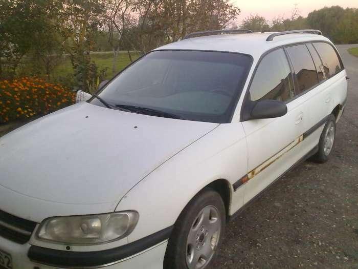 Parduodu automobili Opel Omega