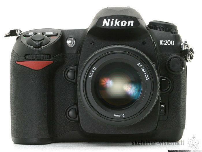 Parduodu fotoaparatą Nikon D200 + Nikkor 18-70mm