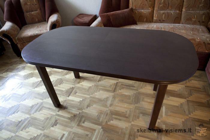 Pietų stalas su 4 kėdėmis