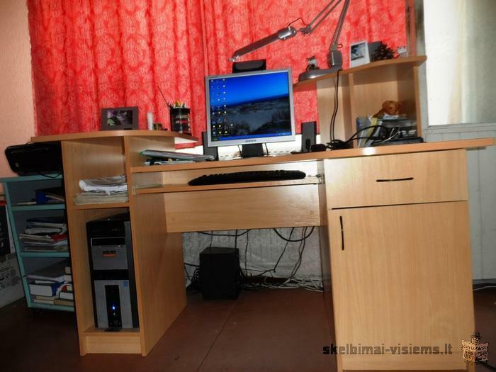 Rašomasis-kompiuterio stalas