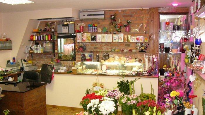 Skubiai parduodamas naujai įrengtas gėlių salonas