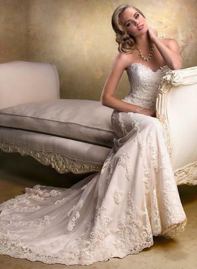 Vestuviniu sukneliu nuoma Vilniuje