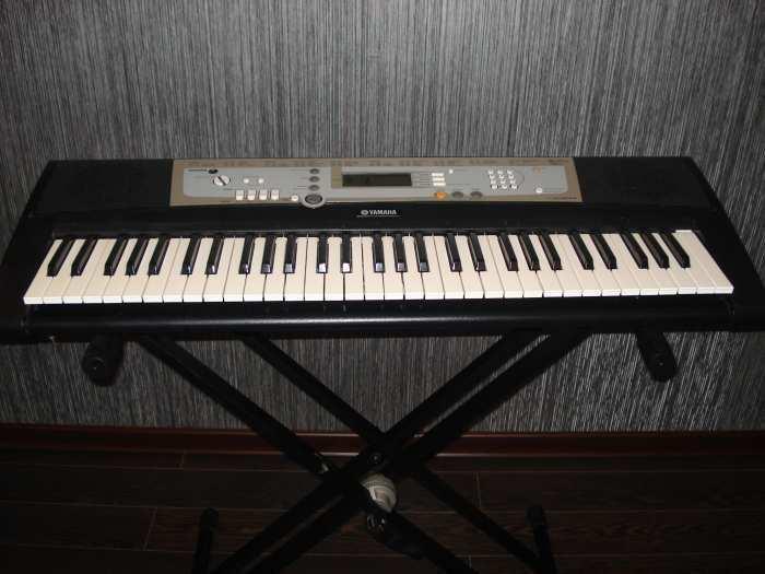 Yamaha psr-E203