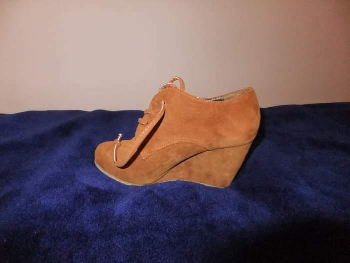 nauji batai nenesioti