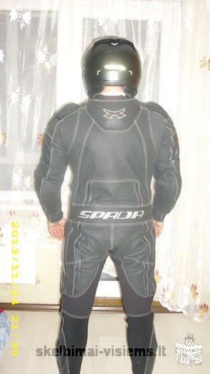 parduodu 2 salmus ir apranga motociklininko