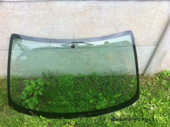 priekinis stiklas