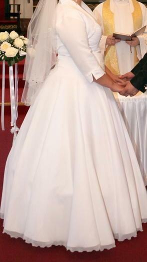 vestuvine suknele 750lt.